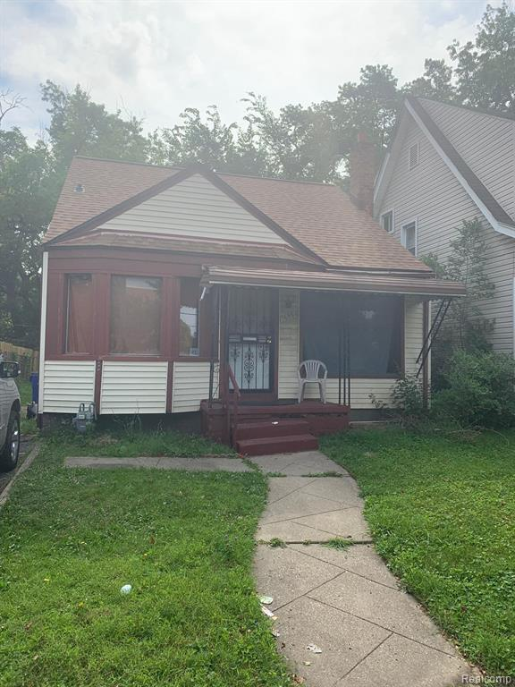 18556 Dale Street, Detroit, MI 48219 (#219070132) :: The Mulvihill Group