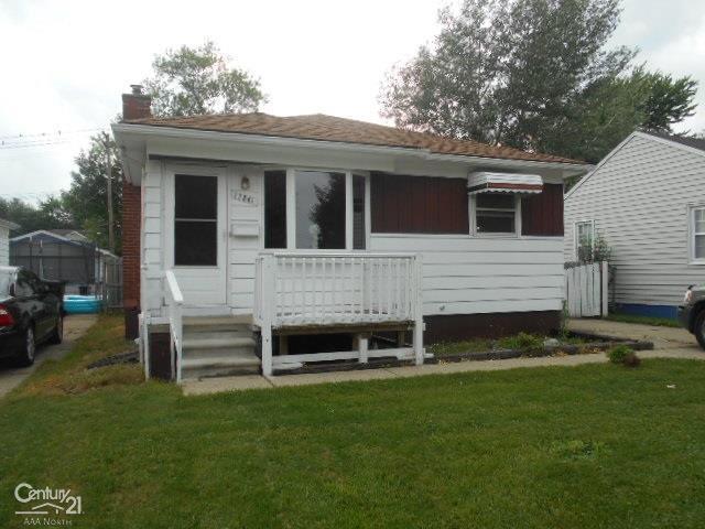 27841 Kaufman, Roseville, MI 48066 (#58031387463) :: Team Sanford