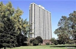 1300 E Lafayette Street #207, Detroit, MI 48207 (#219071087) :: The Buckley Jolley Real Estate Team