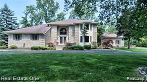 1820 Huntingwood Lane, Bloomfield Hills, MI 48304 (#219072094) :: RE/MAX Nexus