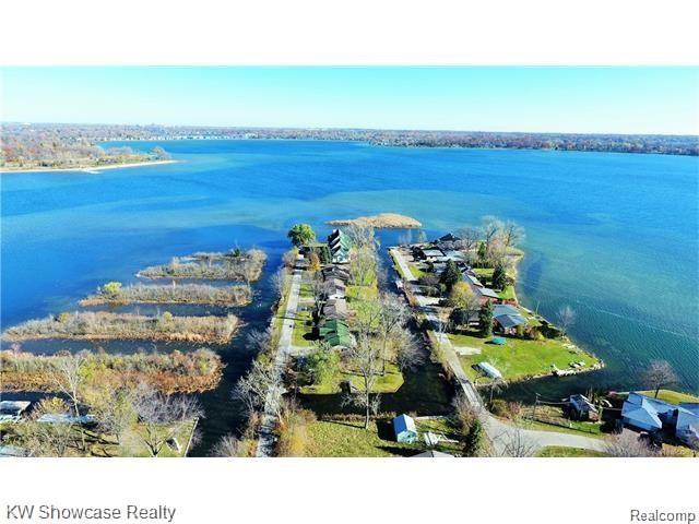 VACANT Clinton Dr Drive, West Bloomfield Twp, MI 48324 (MLS #219072745) :: The Toth Team