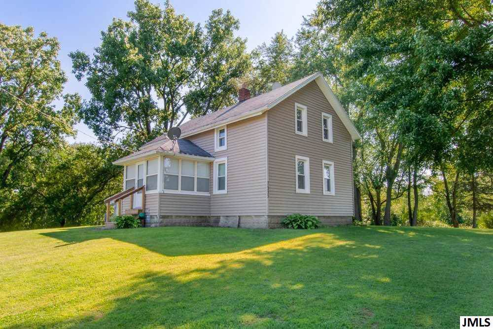7555 Coonhill - Photo 1