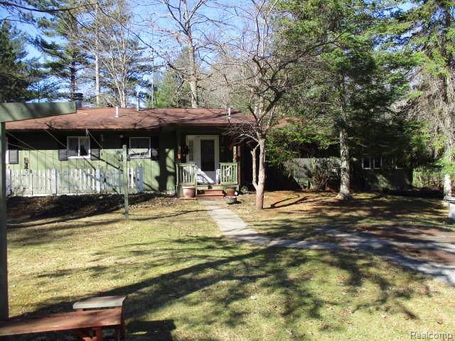 3203 N West Branch Drive, Gladwin, MI 48624 (#219081318) :: The Buckley Jolley Real Estate Team
