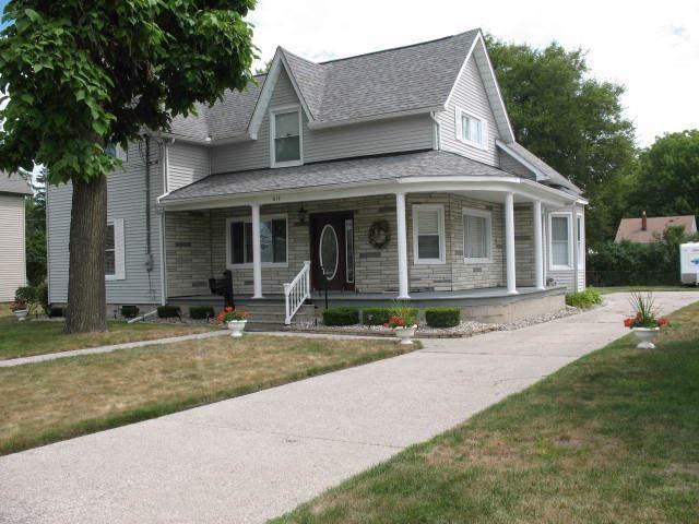 614 N Mill, Clio, MI 48420 (#5031390822) :: The Buckley Jolley Real Estate Team
