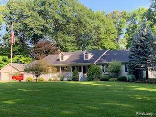 3003 Tozer Road, North Branch Twp, MI 48461 (#219084784) :: The Mulvihill Group