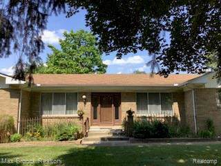 2840 Donegal Drive, Troy, MI 48098 (MLS #219085036) :: The Toth Team