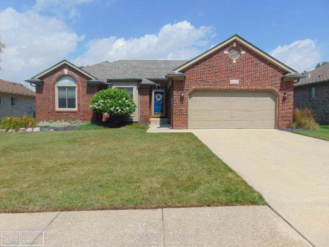 34169 Summerhill, Chesterfield Twp, MI 48047 (MLS #58031391975) :: The Toth Team