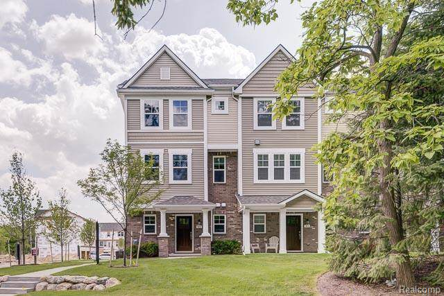 3293 Chambers West #72, Wixom, MI 48393 (#219087050) :: The Alex Nugent Team | Real Estate One