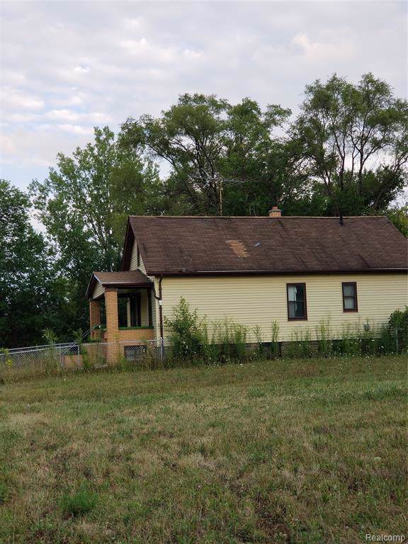 12405 Maine Street, Detroit, MI 48212 (#219087324) :: The Alex Nugent Team   Real Estate One