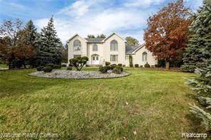 26390 Hidden Valley Drive, Farmington Hills, MI 48331 (#219087345) :: The Buckley Jolley Real Estate Team