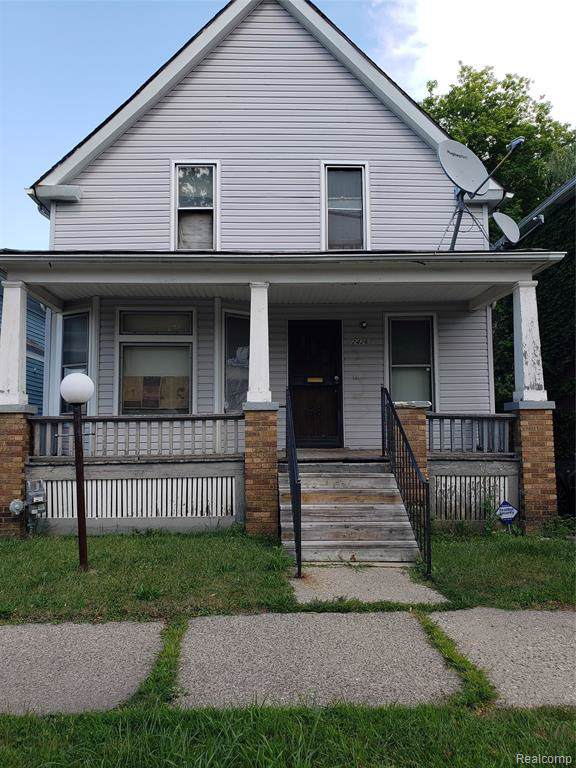 2426 Seyburn Street, Detroit, MI 48214 (MLS #219087395) :: The Toth Team