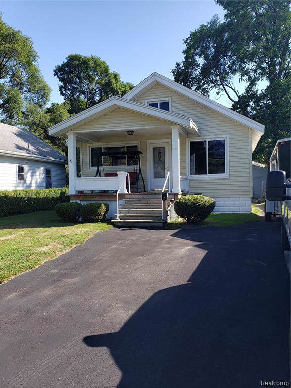 1222 Bancroft Street, Port Huron, MI 48060 (#219087494) :: The Buckley Jolley Real Estate Team