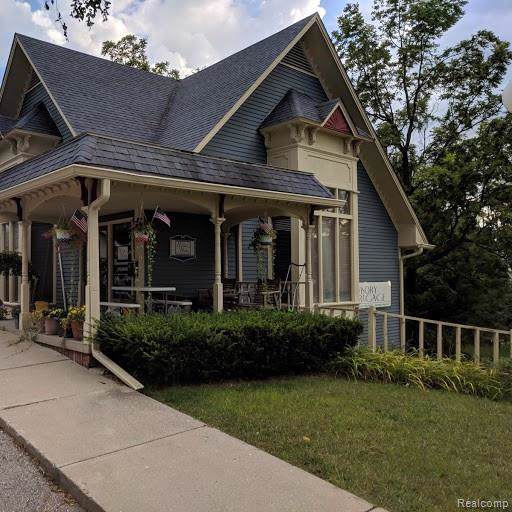 210 S East Street, Brighton, MI 48116 (#219089507) :: RE/MAX Nexus