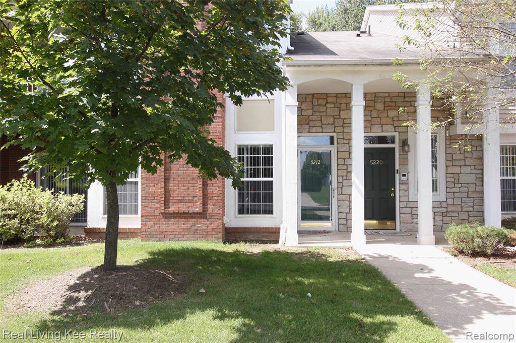 5212 Pine Aires Drive - Photo 1