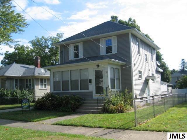 315 Webster St - Photo 1