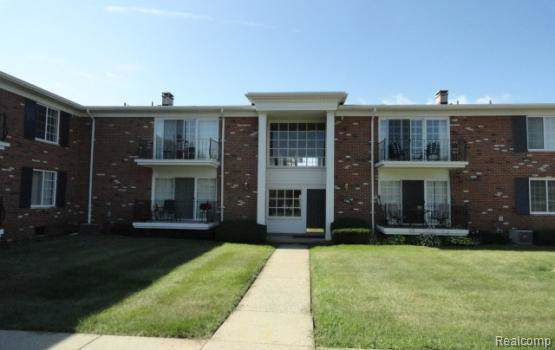 500 Fox Hills Drive N, Bloomfield Twp, MI 48304 (#219092716) :: Alan Brown Group