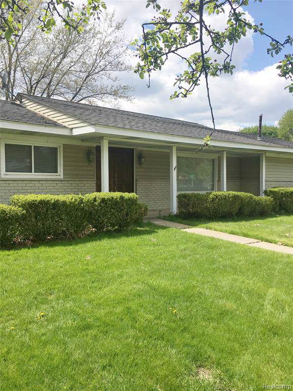 2610 Roxie Road, Bloomfield Twp, MI 48304 (#219092950) :: The Buckley Jolley Real Estate Team