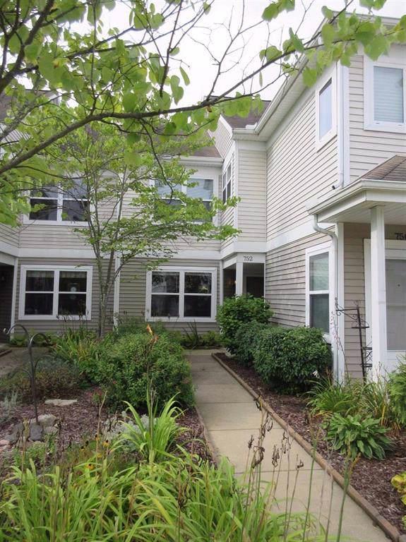 752 W Fieldstone Circle, Chelsea, MI 48118 (#543268696) :: The Buckley Jolley Real Estate Team