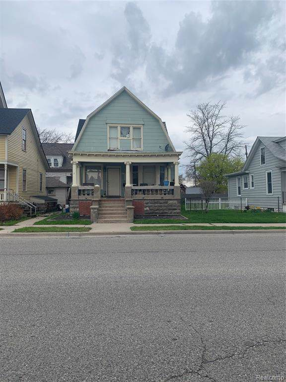 1021 7TH Street, Port Huron, MI 48060 (#219093722) :: The Buckley Jolley Real Estate Team