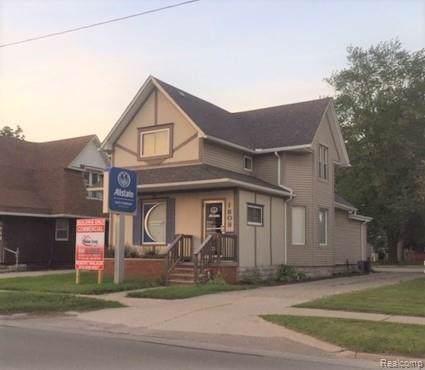 1808 Pine Grove Avenue, Port Huron, MI 48060 (#219094260) :: The Buckley Jolley Real Estate Team