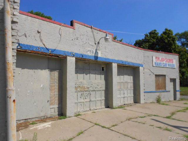 2975 E Mcnichols Road, Detroit, MI 48212 (#219094303) :: Team Sanford