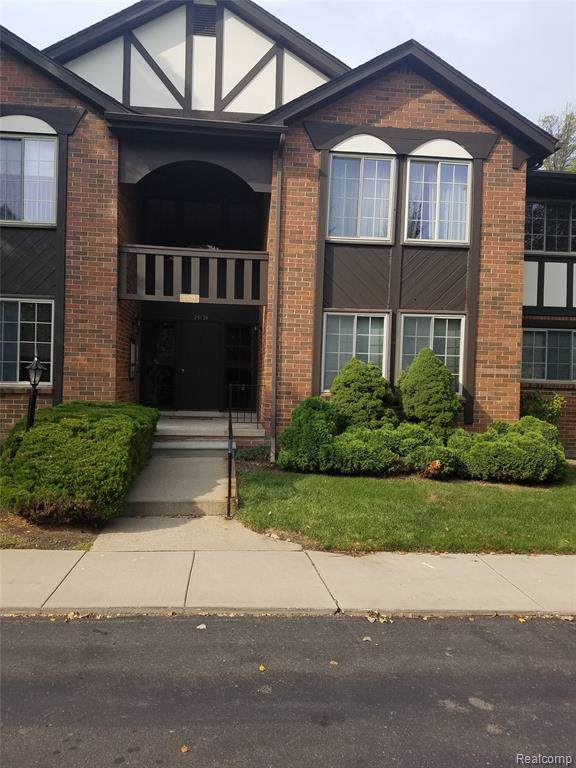 29139 Wellington Road E #23, Southfield, MI 48034 (#219094466) :: The Alex Nugent Team | Real Estate One