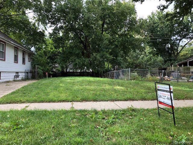 135 W Madge Avenue, Hazel Park, MI 48030 (#219095063) :: The Buckley Jolley Real Estate Team
