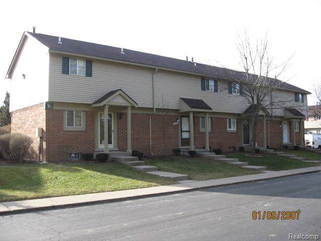 2240 Orchard Crest Street #70, Shelby Twp, MI 48317 (#219096454) :: The Mulvihill Group