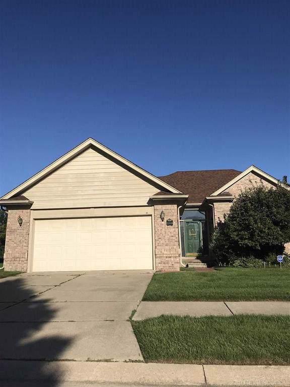 32444 Pine Ridge, Warren, MI 48093 (#58031395088) :: Duneske Real Estate Advisors