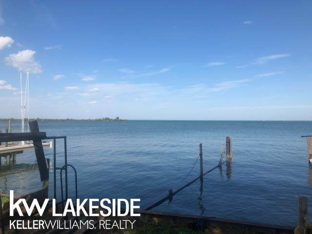 41265 Conger Bay, Harrison Twp, MI 48045 (#58031395395) :: GK Real Estate Team
