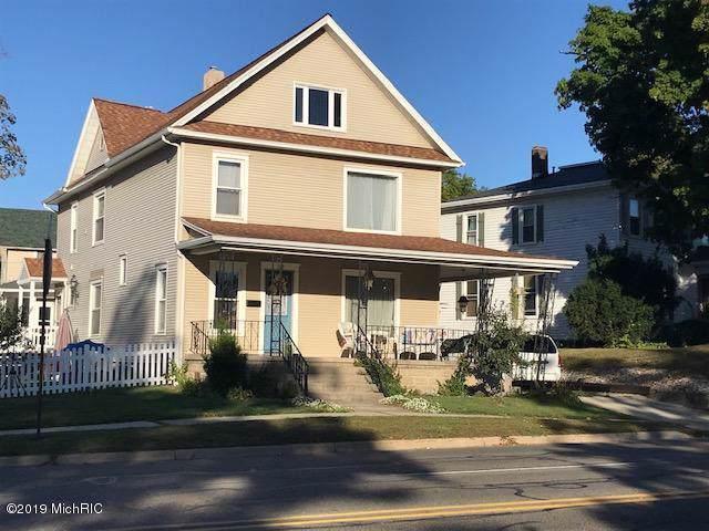 112 S Broad St, HILLSDALE CITY, MI 49242 (#53019046822) :: The Alex Nugent Team | Real Estate One