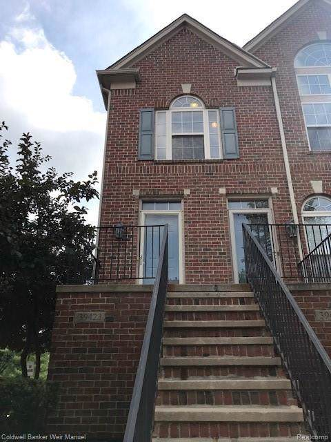 39423 Springwater Drive, Northville, MI 48168 (#219101532) :: The Buckley Jolley Real Estate Team