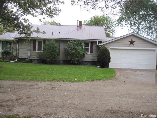 4745 Smiths Creek Road, Kimball Twp, MI 48074 (MLS #219101893) :: The John Wentworth Group