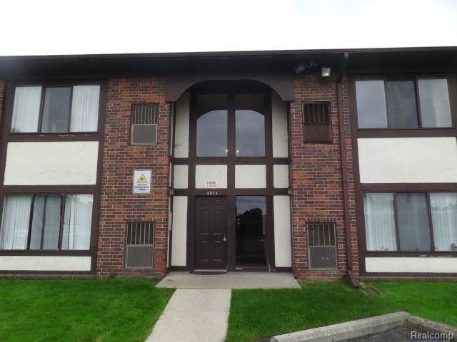4973 E Ten Mile Road, Warren, MI 48091 (#219103658) :: The Buckley Jolley Real Estate Team