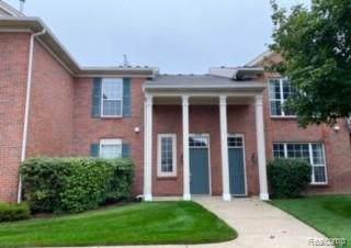25208 Chesapeake Circle, Commerce Twp, MI 48390 (#219104667) :: The Buckley Jolley Real Estate Team