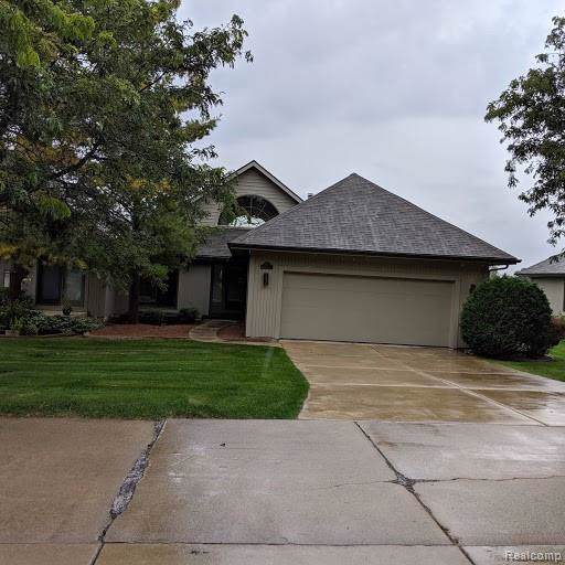 5151 Meadowhill Trail, Grand Blanc, MI 48439 (#219104740) :: The Mulvihill Group