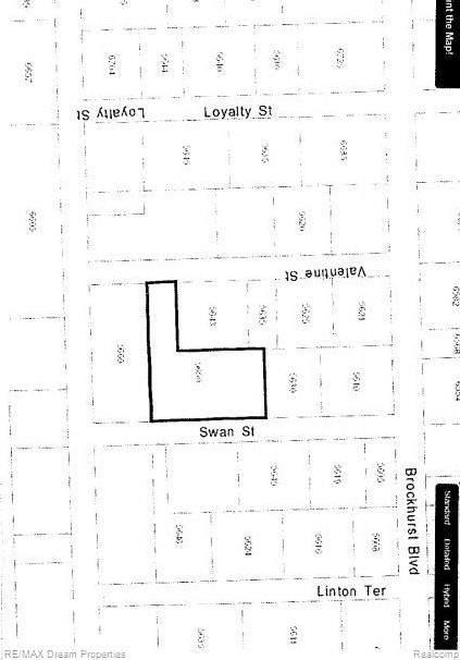 5650 Swan Street, West Bloomfield Twp, MI 48322 (#219105509) :: The Buckley Jolley Real Estate Team
