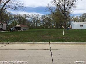 0000 Elmwood, Garden City, MI 48135 (#219109021) :: The Buckley Jolley Real Estate Team