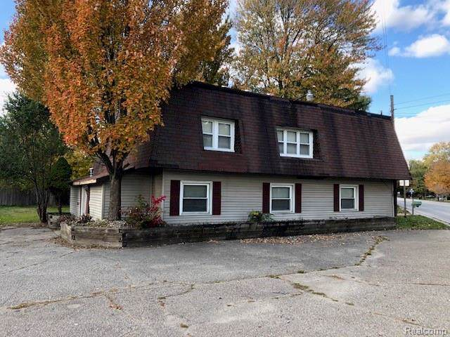 4007 Pine Grove Avenue, Fort Gratiot Twp, MI 48059 (#219109380) :: The Buckley Jolley Real Estate Team