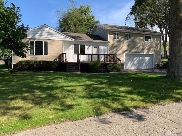 5076 Coshocton Drive, Waterford Twp, MI 48327 (#219110877) :: GK Real Estate Team