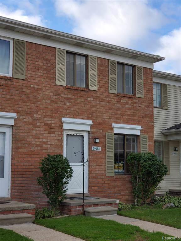 29258 Brittany Drive, Roseville, MI 48066 (#219110953) :: BestMichiganHouses.com
