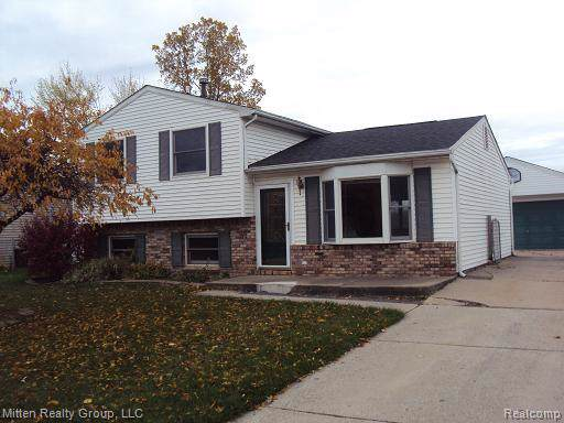 30232 Torry Avenue, Flat Rock, MI 48134 (MLS #219112443) :: The Toth Team