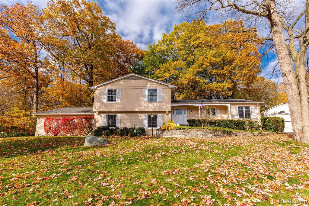 649 Valley Chase Road - Photo 1
