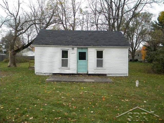 309 Grant, Laingsburg, MI 48848 (#61031399911) :: Keller Williams West Bloomfield