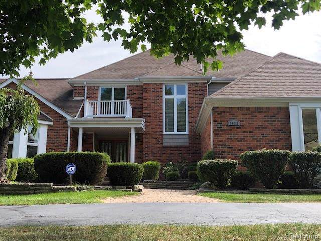 3473 Wedgewood Drive, Rochester Hills, MI 48306 (#219115284) :: Team DeYonker