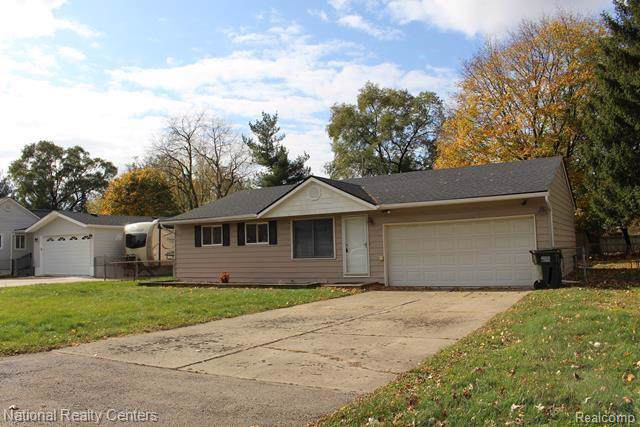 2408 Eastern Avenue, Rochester Hills, MI 48307 (#219115289) :: The Alex Nugent Team | Real Estate One