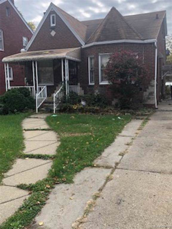 15852 Eastwood Street, Detroit, MI 48205 (#219116043) :: Team DeYonker