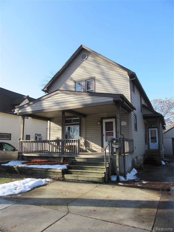 1915 7TH Street, Port Huron, MI 48060 (#219116306) :: Team Sanford