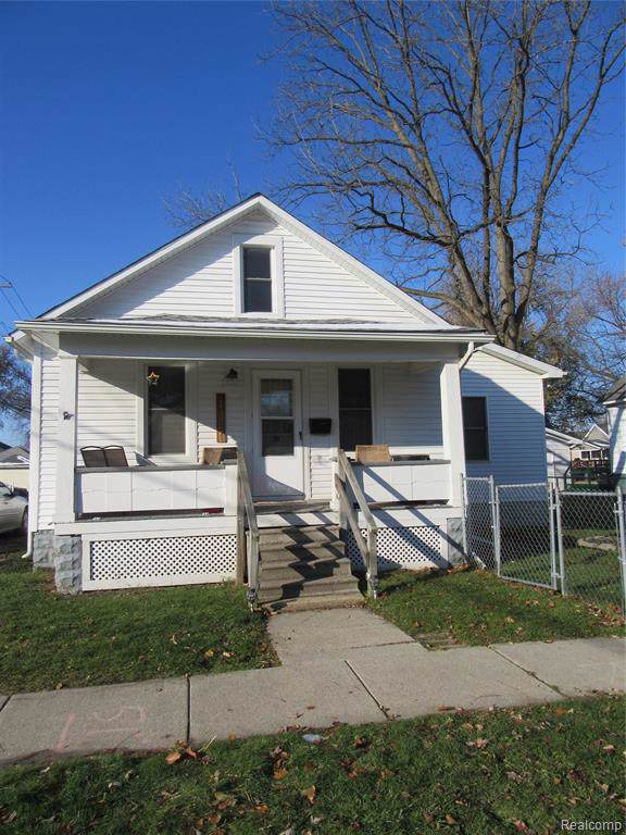 107 14TH Street, Port Huron, MI 48060 (#219116307) :: Team Sanford