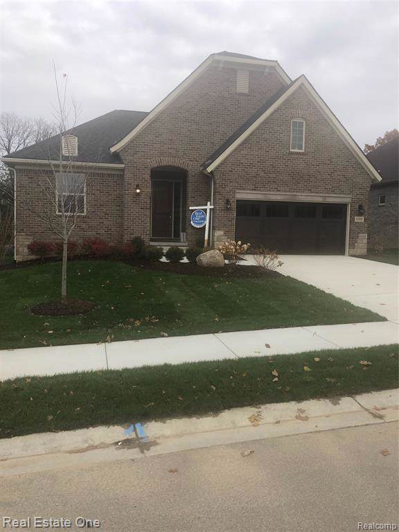 6505 Legacy Woods Trail, West Bloomfield Twp, MI 48322 (#219116427) :: The Alex Nugent Team   Real Estate One